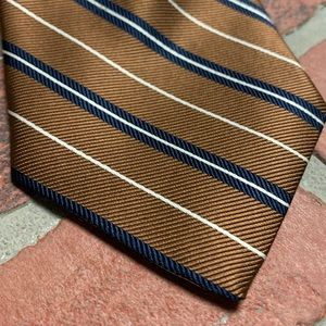 Brooks Brothers silk stain-resistant stripes tie
